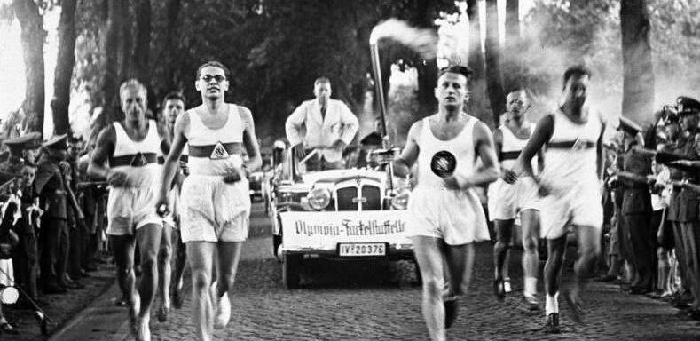 Antorcha Olímpica de Berlín 1936 expuesta en la III Feria del Deporte y Salud de Mieres