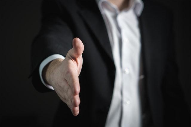 cómo fidelizar a un cliente de seguros